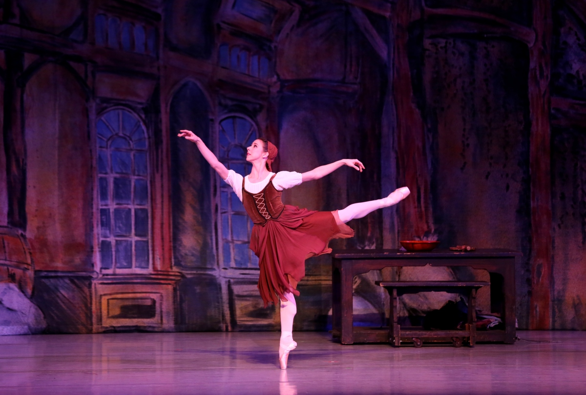 "RICHMOND BALLET'S ""CINDERELLA"": Happily Ever After"
