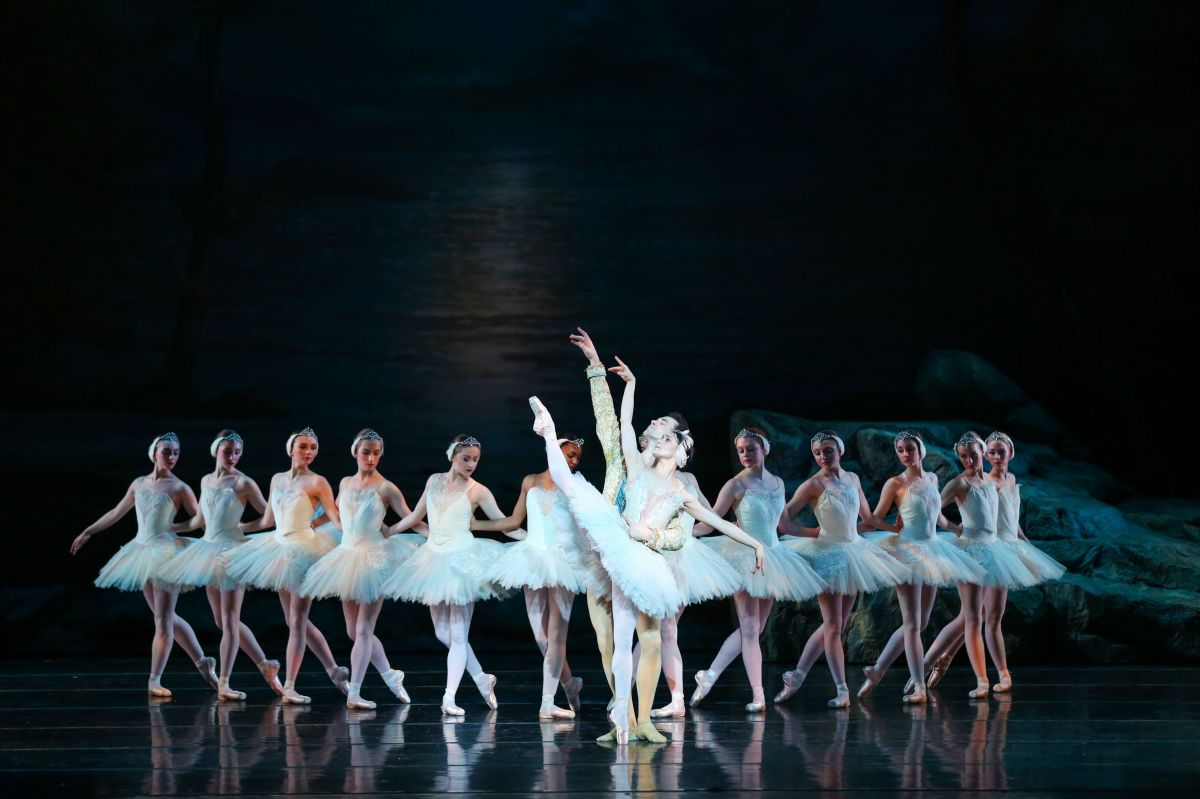 "RICHMOND BALLET'S ""SWAN LAKE"": Happily Ever After"